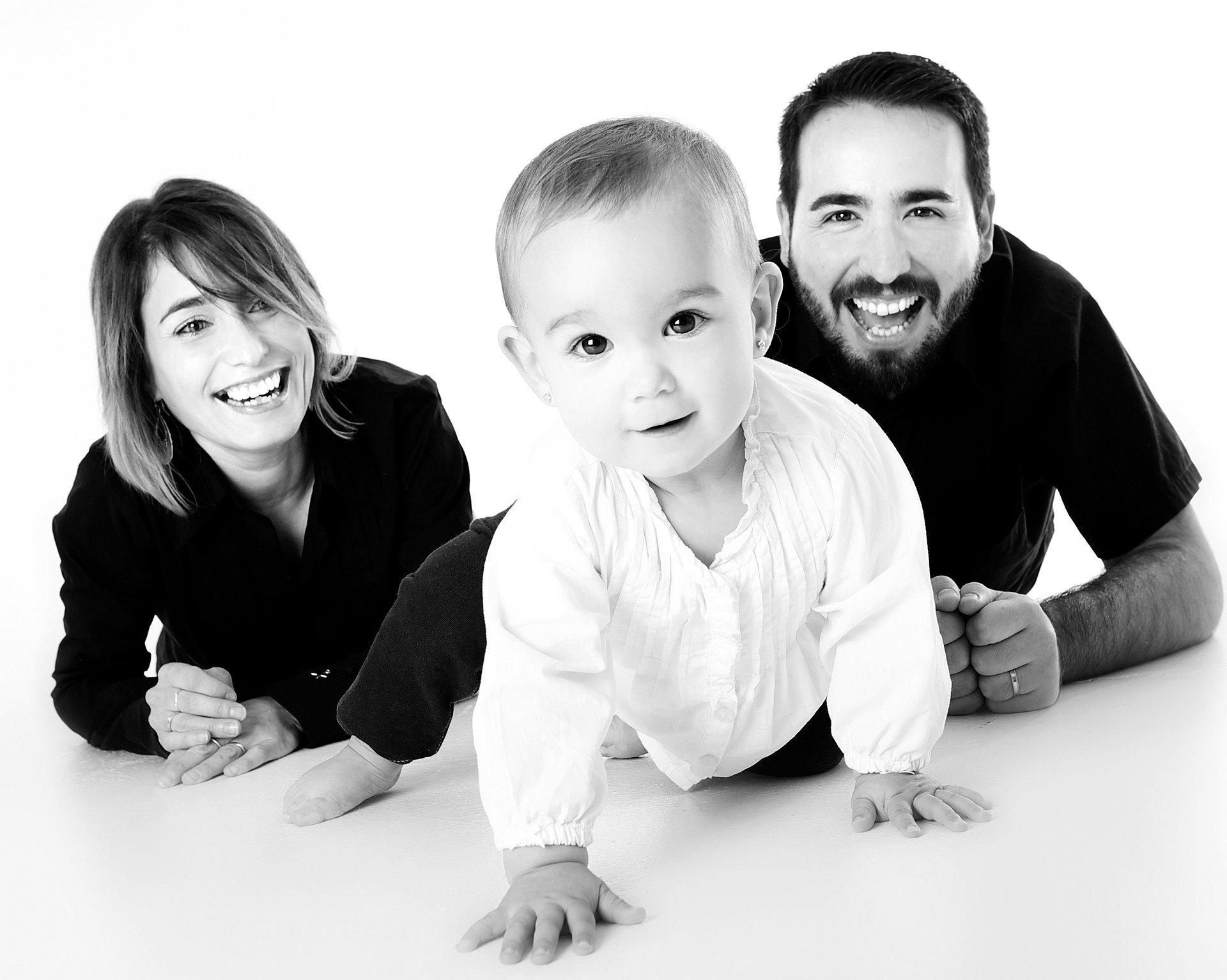 family-1237701_1920.jpg